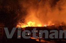 Rò rỉ hóa chất sau vụ cháy lớn một đoàn tàu ở Nga