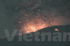 Núi lửa phun trào ở Peru và lũ quét kinh hoàng tại Mỹ