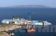 Italy bắt đầu trục vớt siêu tàu du lịch Costa Concordia