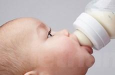Bú bình làm tăng nguy cơ tắc dạ dày ở trẻ sơ sinh