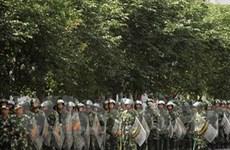 """Trung Quốc: """"Bức tường thép"""" ở Tân Cương"""