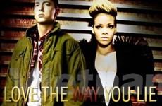 """Love the way you lie"" thống trị bảng Billboard"