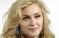 """Madonna bị tố quá """"nổ"""" về việc xây trường từ thiện"""