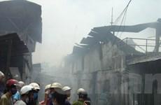 Cháy lớn thiêu hủy 2 xưởng sản xuất tại TP.HCM