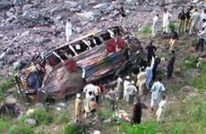 Pakistan: xe khách lao vực, 70 người thương vong
