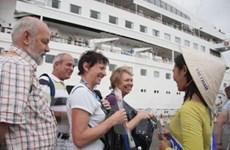 Đón 1250 du khách đến Việt Nam bằng tàu biển