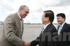 Chủ tịch nước bắt đầu chuyến thăm chính thức Cuba