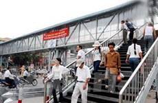 Hà Nội khởi công 18 cầu vượt cho người đi bộ
