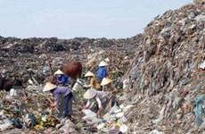 """""""Nóng bỏng"""" vấn đề chất thải ở nông thôn"""