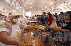 150 đầu bếp Mexico làm chiếc giò lợn dài 42m