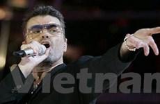 Ca sĩ George Michael bị treo bằng lái tới 6 tháng