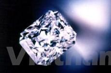 Nuốt số kim cương trị giá 1,4 triệu USD vào bụng