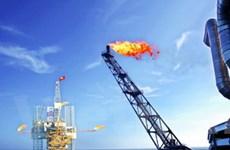 Rusvietpetro đón dòng dầu công nghiệp đầu tiên