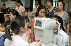 Cấp kính cho học sinh bị tật về khúc xạ ở Vũng Tàu