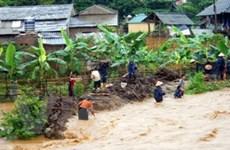 Vận động hơn 2 triệu USD cứu trợ người dân vùng lũ