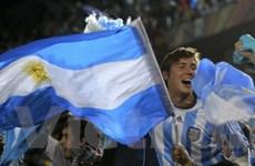 Người Nam Mỹ ăn mừng chiến thắng tại vòng bảng