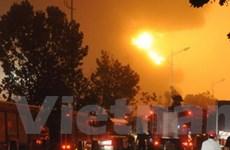 Nổ đường ống dẫn dầu gây hỏa hoạn ở Trung Quốc