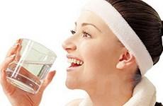 Uống nước đúng cách để giúp cơ thể khỏe đẹp hơn