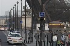 4.000 người phải sơ tán vì báo động tại Tháp Eiffel