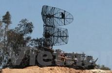 Ba vụ nổ lớn thiêu đốt căn cứ quân sự tại Libya