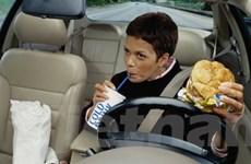 Tay lái ôtô bẩn gấp 9 lần nhà vệ sinh công cộng