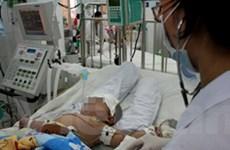 Thêm một bé trai tử vong vì bệnh tay chân miệng