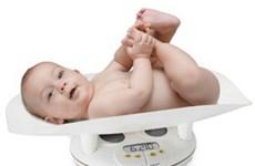 Khí thải ôtô làm giảm cân nặng của trẻ sơ sinh