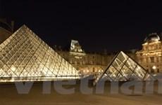 Thắp sáng bảo tàng Louvre bằng hệ thống đèn LED