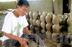 Hướng đi mới cho làng nghề gốm cổ Phước Tích