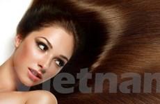Dưỡng cho mái tóc tự nhiên suôn thẳng, bóng mượt