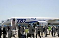 Boeing 787 Dreamliner thử nghiệm hạ cánh an toàn
