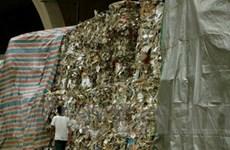 Đặc khu Hong Kong vật lộn với cuộc chiến rác thải