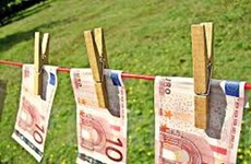 Italy triệt phá đường dây rửa tiền dính líu tới mafia