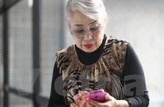 Nhật Bản mở lớp học về smartphone cho người già