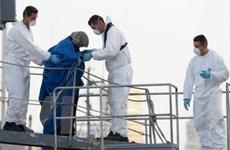 Italy vừa cứu sống 300 người di cư gặp nạn trên biển