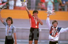 Vận động viên bán đấu giá huy chương vàng Olympic