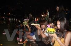 Người Thái đón chào Lễ hội Loy Krathong kém vui