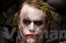 """Nhà thủ phạm xả súng treo nhiều poster """"Batman"""""""