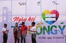"""Hàng nghìn bạn trẻ ủng hộ LGBT nói """"Tôi đồng ý"""""""