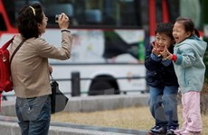 """Nỗi niềm """"nhà trẻ cơ quan"""" của các bà mẹ xứ Hàn"""