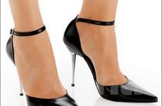 Môn thể dục đặc biệt với giày cao gót
