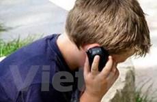 Trẻ em nên dùng loại điện thoại di động đơn giản