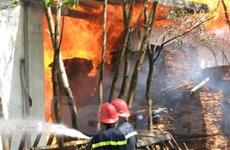 Cháy lớn tại công ty sản xuất gỗ ván ép Sao Nam