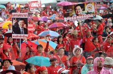 """Hơn 2.000 người thuộc phe """"áo đỏ"""" lại biểu tình"""