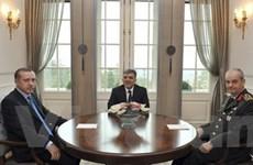 Thỗ Nhĩ Kỳ giải quyết nội chính bằng hiến pháp