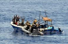 Hải quân Mỹ bắt giữ năm nghi can cướp biển