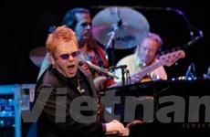 Elton John biểu diễn tại quần thể di tích cổ Maya