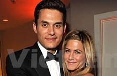 Jennifer Aniston quay lại hẹn hò với người tình cũ