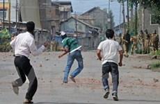 Đụng độ ở Kashmir, hàng chục người thương vong