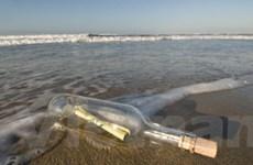 Chai chứa thông điệp chu du 3.000 dặm trên biển